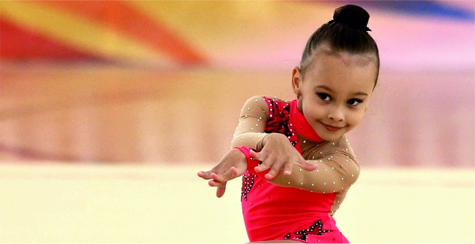 <h1>Набор девочек</h1> для занятий художественной гимнастикой. Тел. 97-10-64